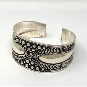 🆕 Sterling silver ornate cuff bracelet, 29g